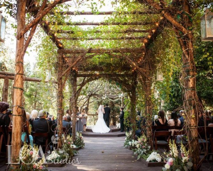 10 Epic Spots To Get Married In Southern California That Ll Blow Guests Away Wedding Locations California Wedding Southern California Socal Wedding Venues