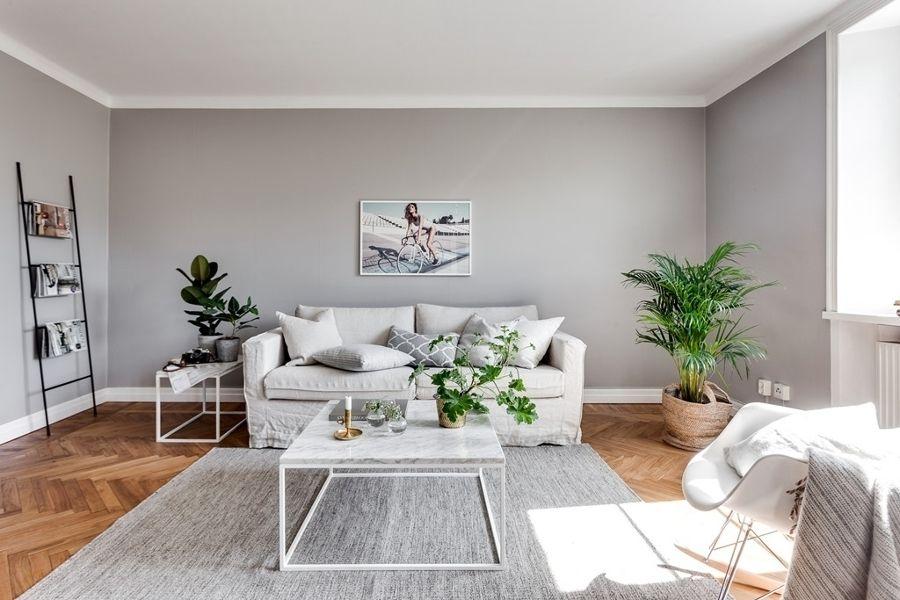 Salón con paredes en gris / Mueble recibidor / Colores soft y un ...