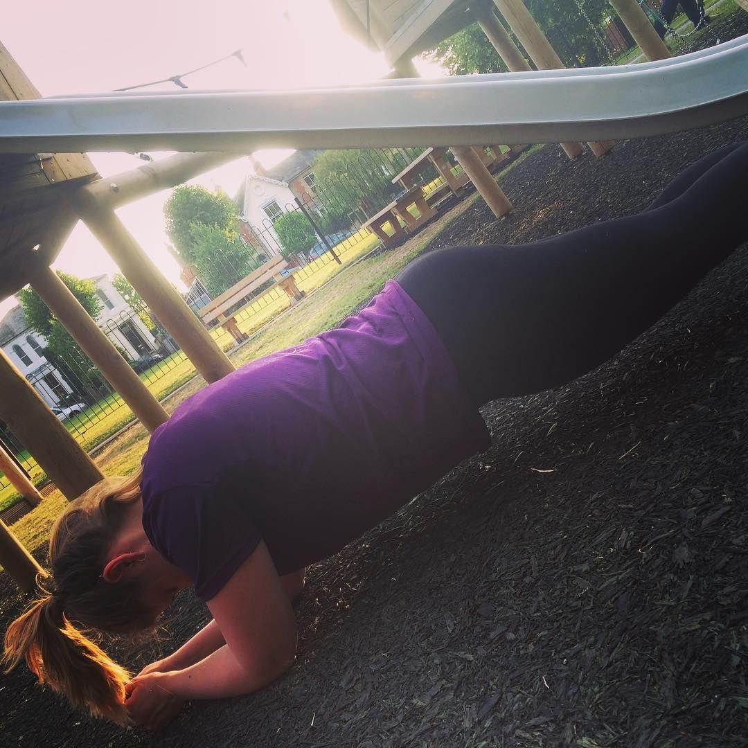 Plank challenge #outdoortraining #fitnesschrysalis @careyt