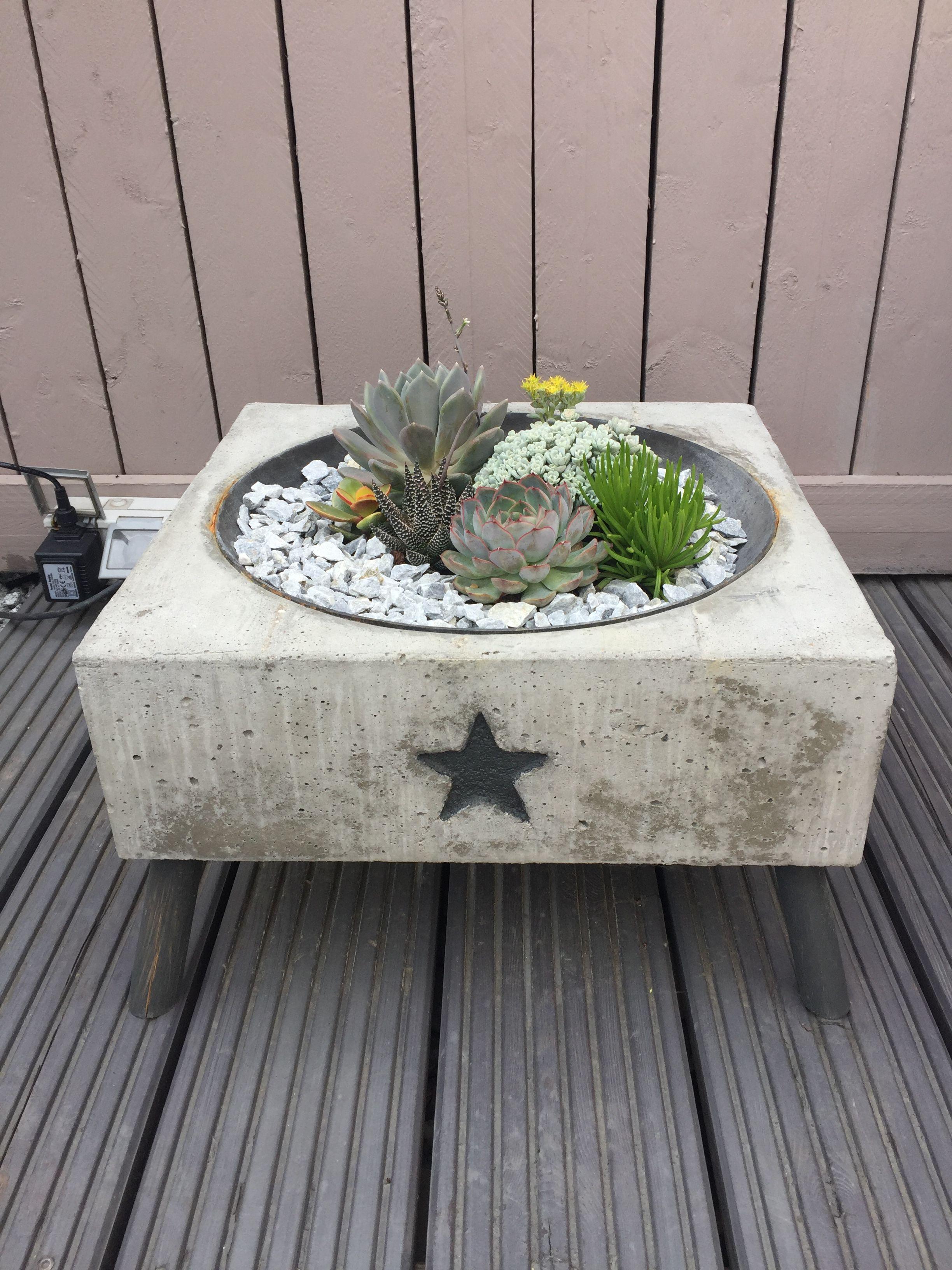 beton auf beton holz auf beton schreinerei helfrich. Black Bedroom Furniture Sets. Home Design Ideas