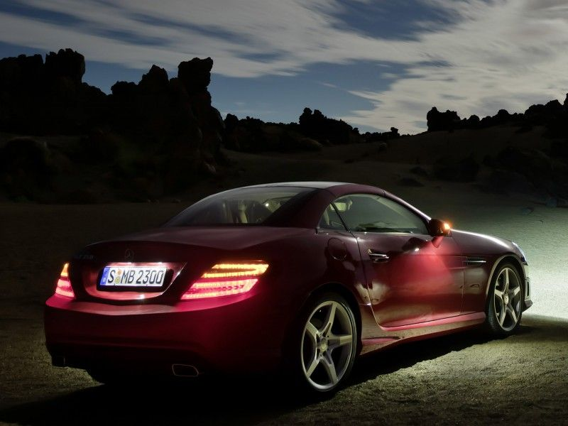 mercedes slk klasse 350 amg sports package r172 2011 photo. Black Bedroom Furniture Sets. Home Design Ideas