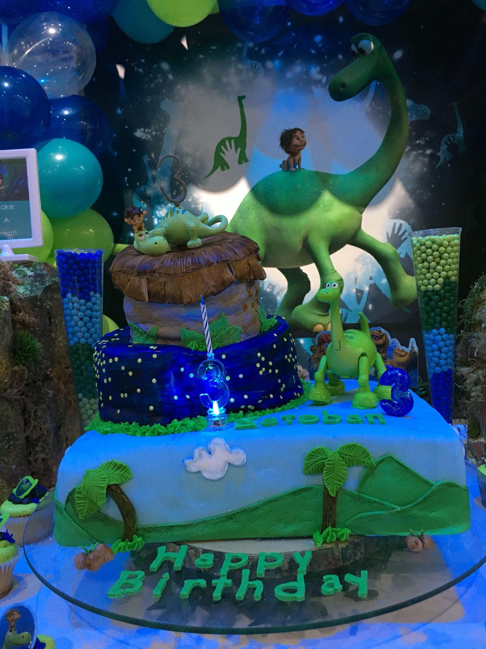 The good dinosaur cake Party ideas Pinterest Dinosaur cake and
