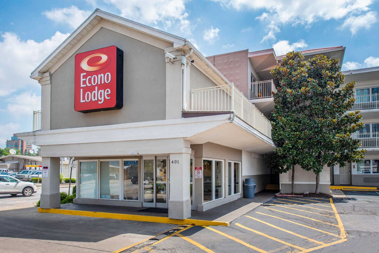 Welcome To Our Affordable Econo Lodge Downtown Louisville Kentucky
