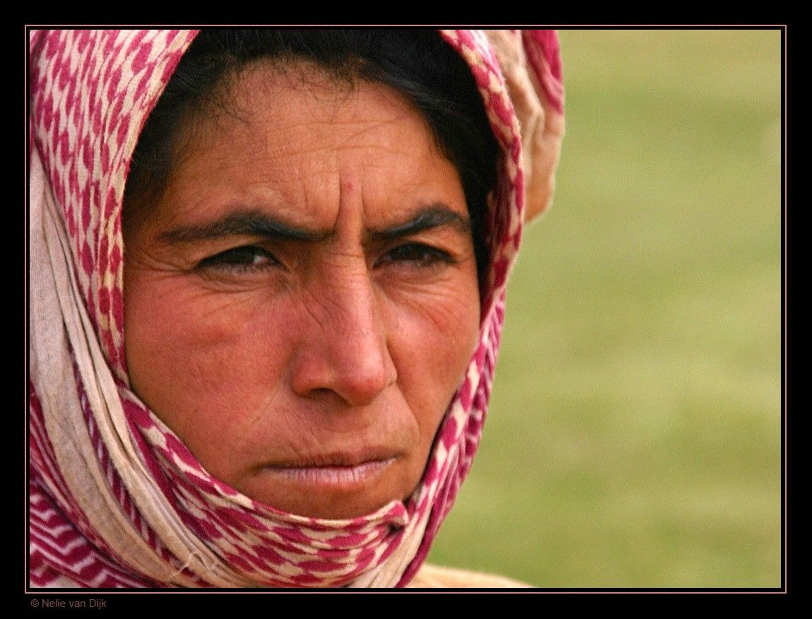 Iran: Nomaden vrouw (nomads)