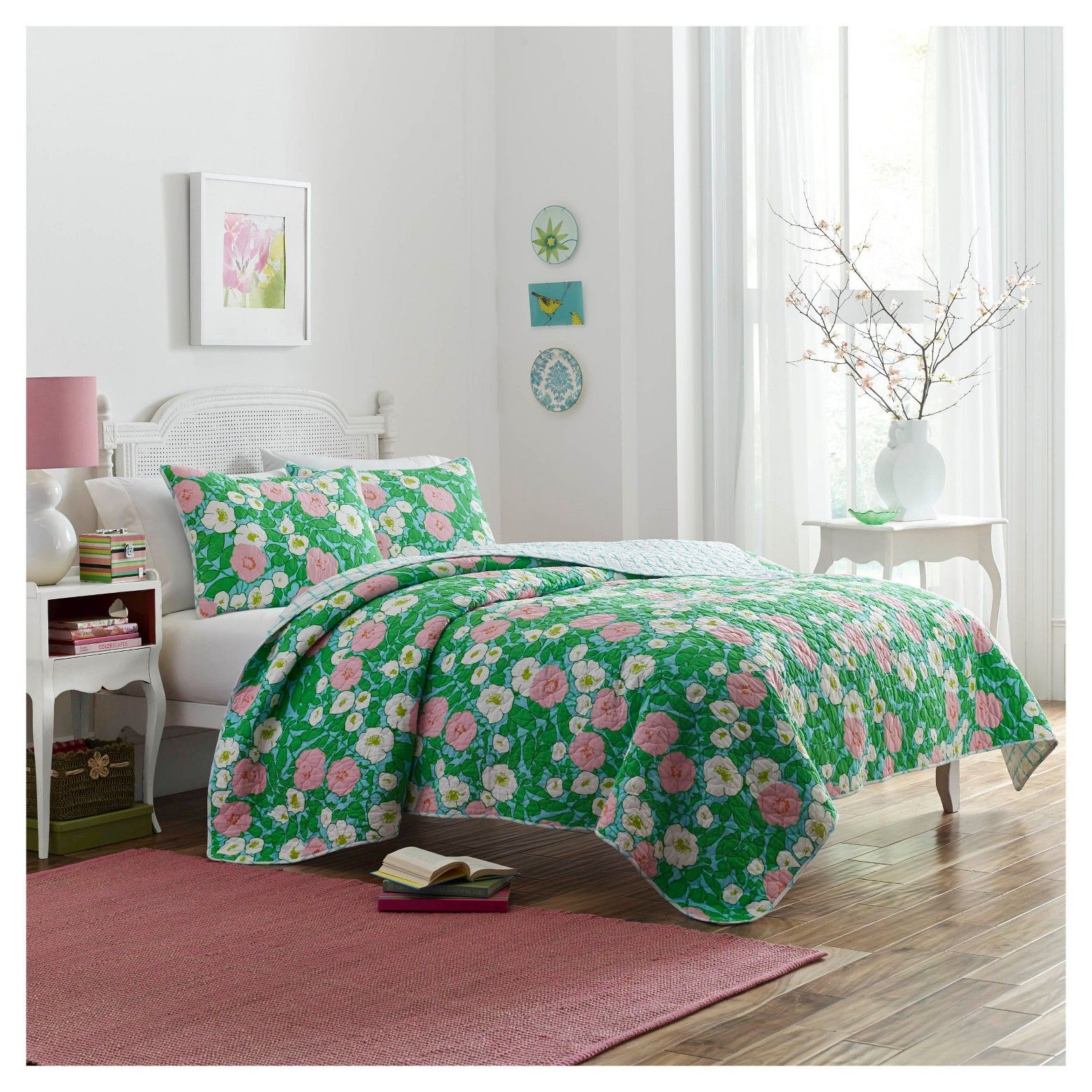 Give your room stylish update with the Poppy & Fritz Poppy Garden Quilt Set in Yellow. This set has quilted stitching for a classic look and feel, creating a beautiful bedroom setup. Made of 100% cotton, this set provides first-rate comfort and construction. Machine washable, the quilt and shams are easy to care for and will keep your space looking fresh.