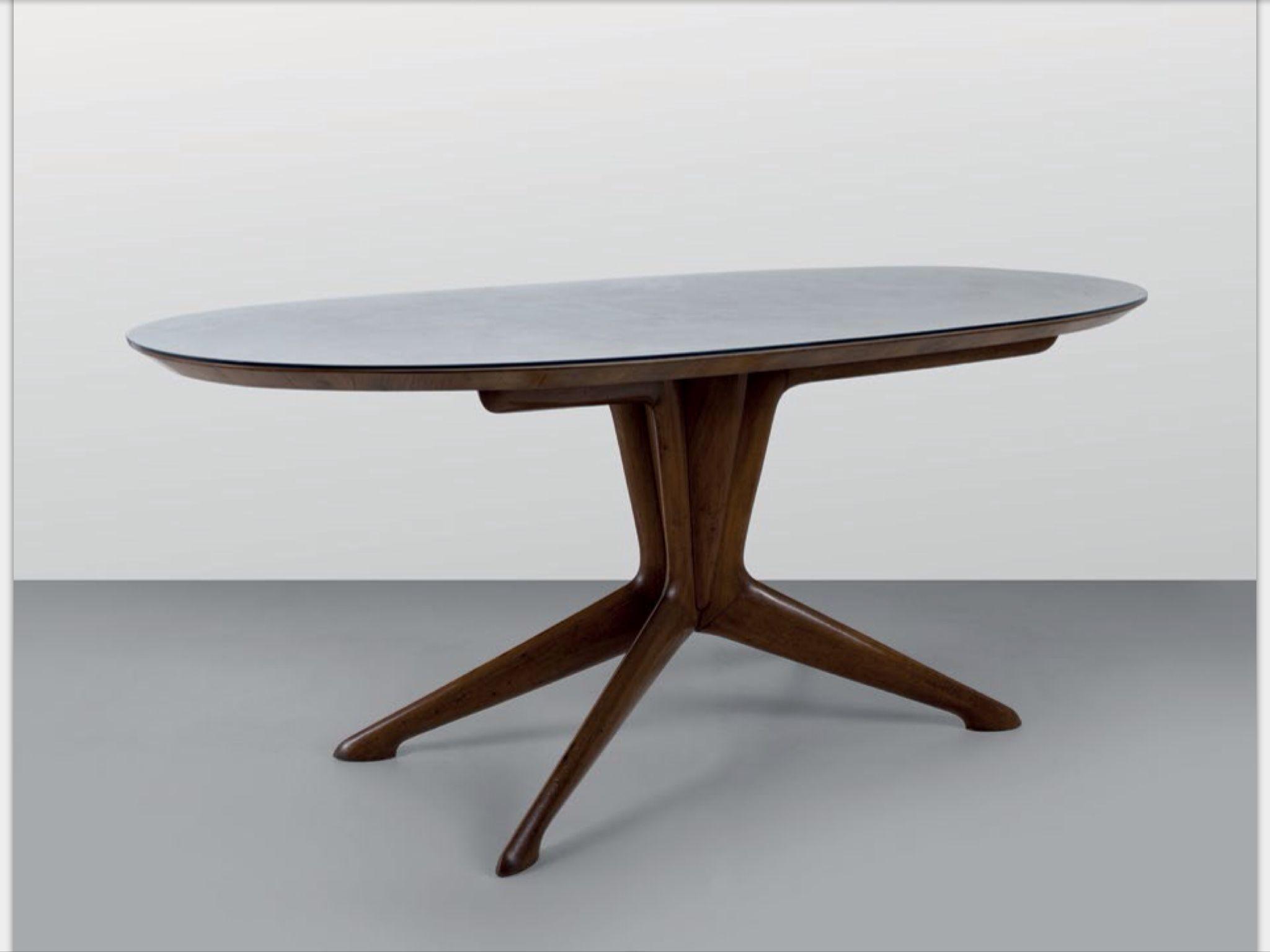 ico e luisa parisi un tavolo da pranzo fine anni 40 legno di noce legno impiallacciato in. Black Bedroom Furniture Sets. Home Design Ideas