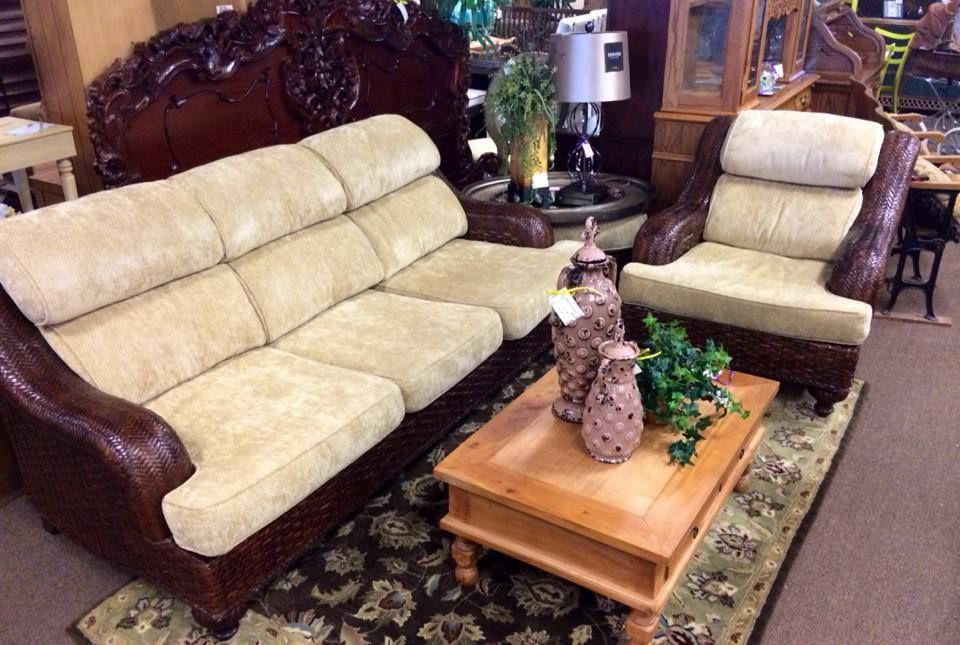 Robb And Stucky Rattan Sofa Chair, Robb And Stucky Furniture
