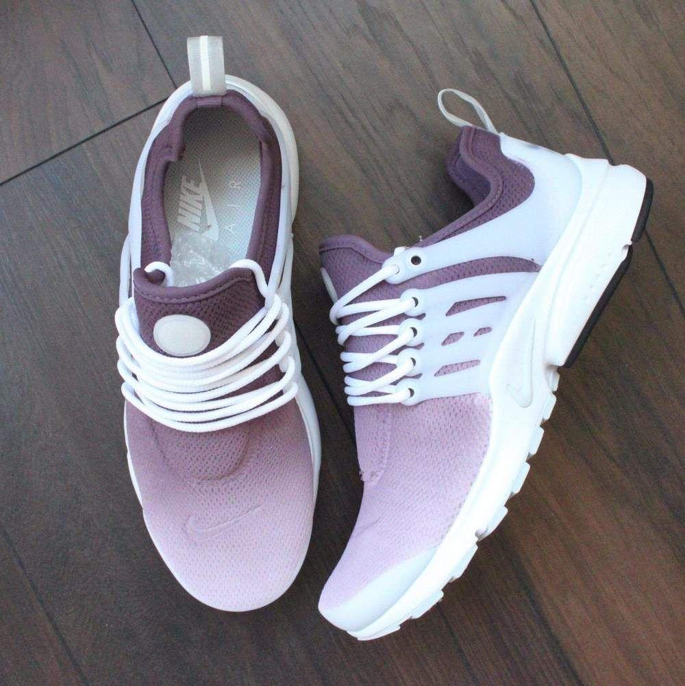 brand new 290dc 4631b TheShoeCosmetics - Maroon Nike Air Presto Custom Sneakers - Ombre Design