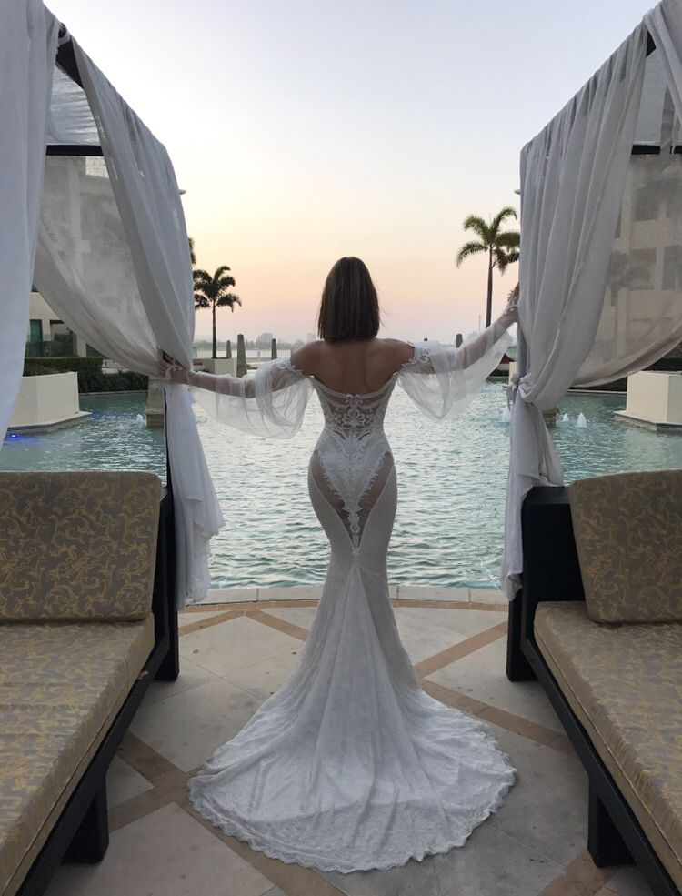 Nothing Like A Versace Sunrise In Beyonce S Vow Renewal Dress