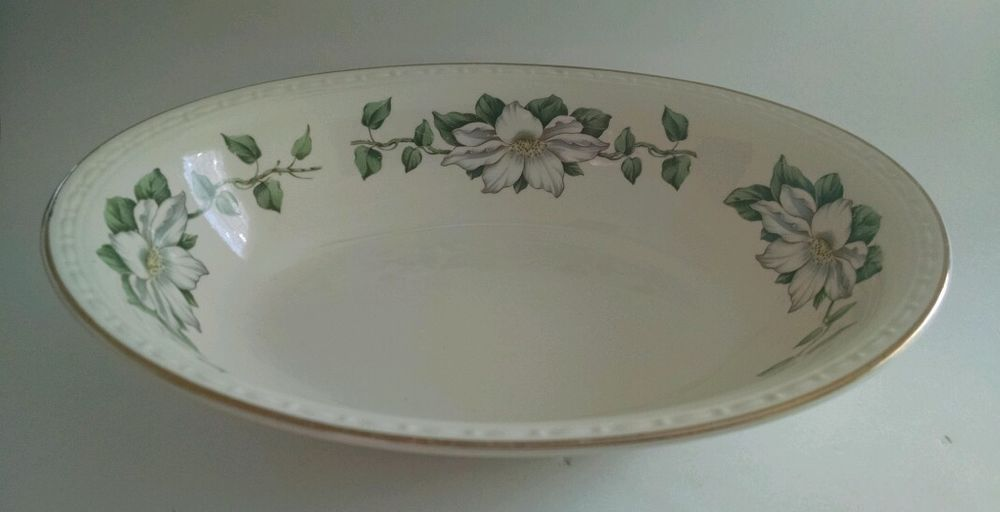 Vintage 1953 Lattice Rose by Homer Laughlin Serving Bowl with Gold Rim Mid Century Dining Retro Kitchen
