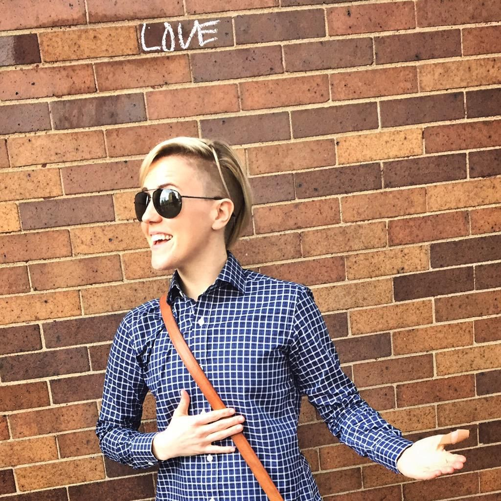elizabeth lambert dating video