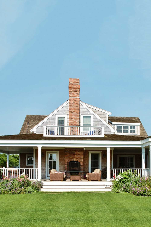 The Best Airbnbs In Nantucket Oceanfront Pretty Cottages Summer Rentals In 2020 Nantucket Home House Rental Nantucket