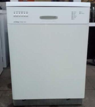 Ich verkaufe hier eine Geschirrspülmaschine von der Firma
