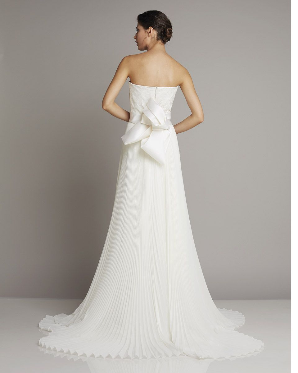 Slim Strapless Wedding Dress In Silk With Large Bow-laid
