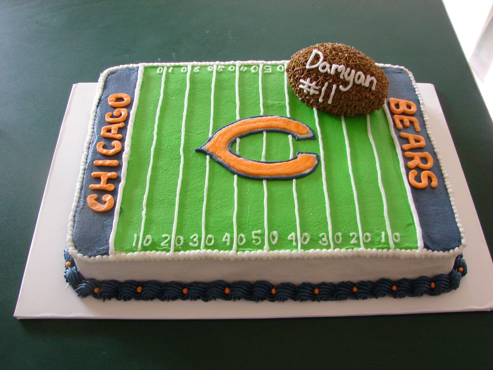 9x13 cake decorated like Chicago Bears football field ...