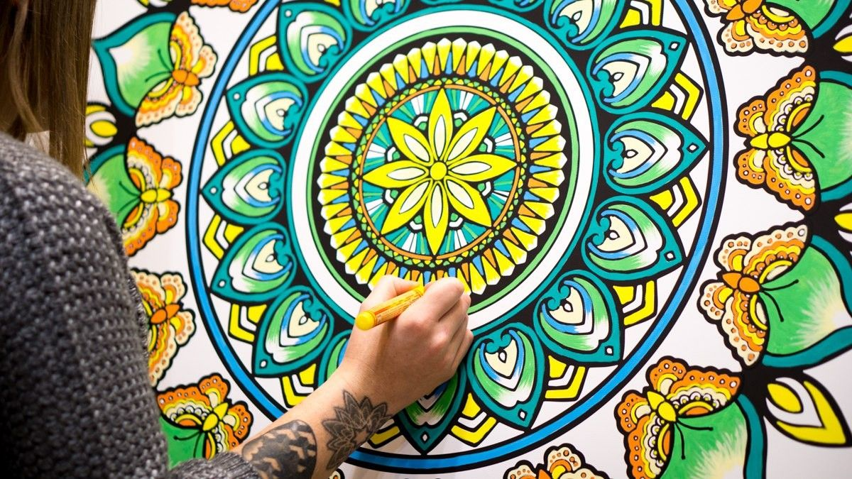 Make Your Own Unique Giant Mandala Wall Mural With This High Quality Canvas Print To Colour In Acrylic Paint Pens A Fun Activity Idea For Events