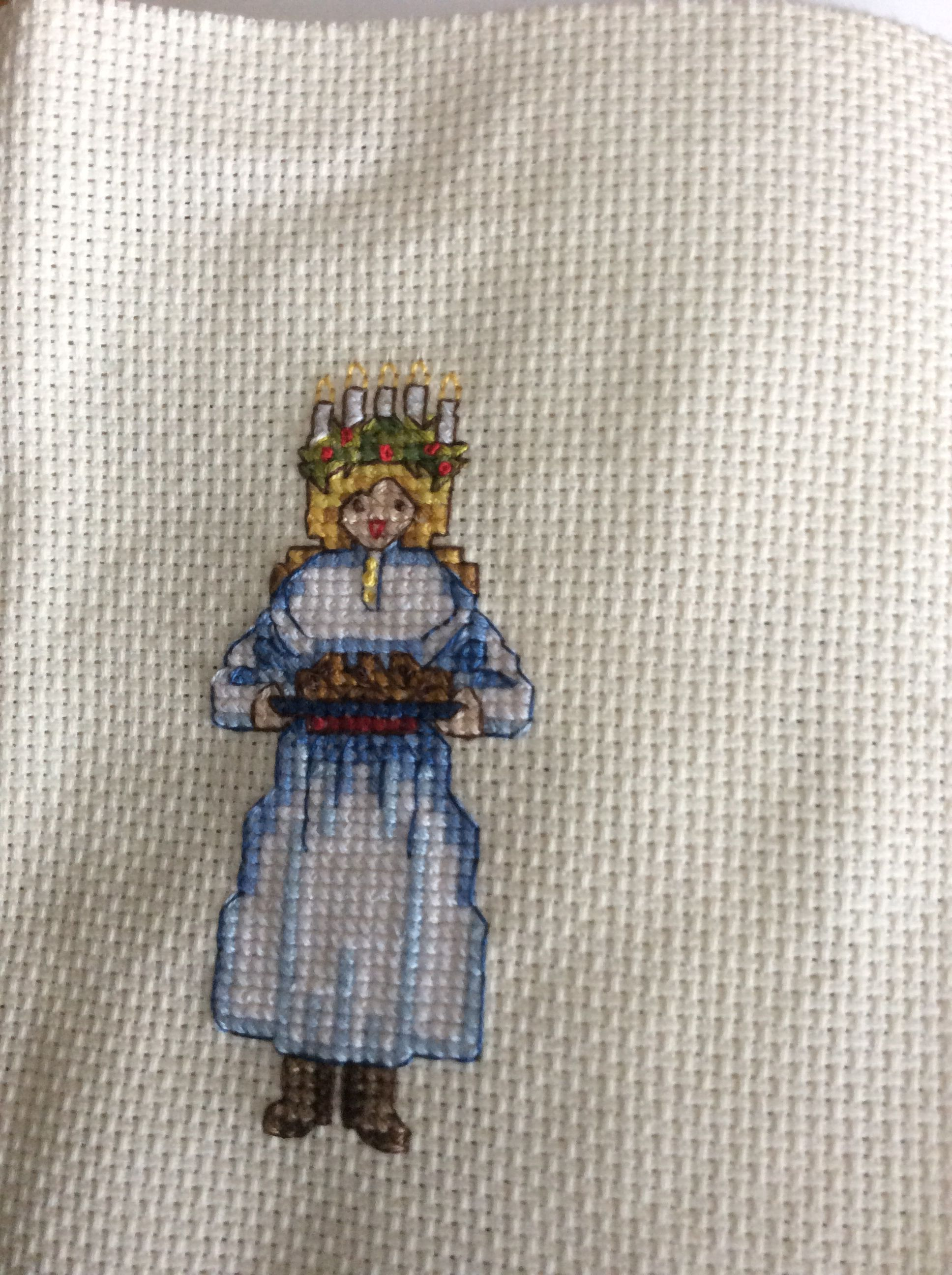 Sankta Lucia svensk jul korsstygn. Saint Lucia Swedish Christmas cross stitch.