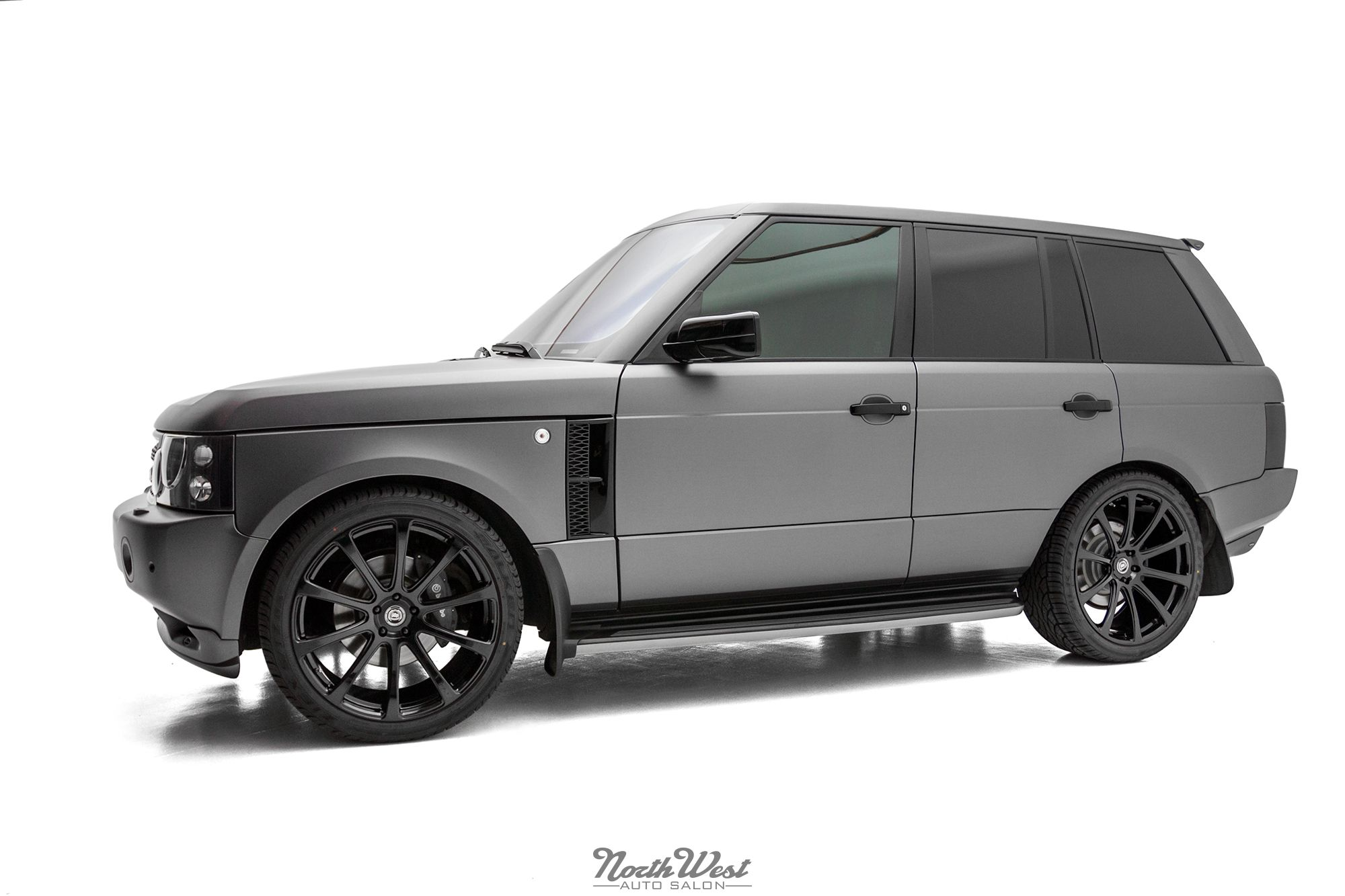 Overfinch range rover hse vehicle wrap on dpe wheels at nwas northwest auto salon