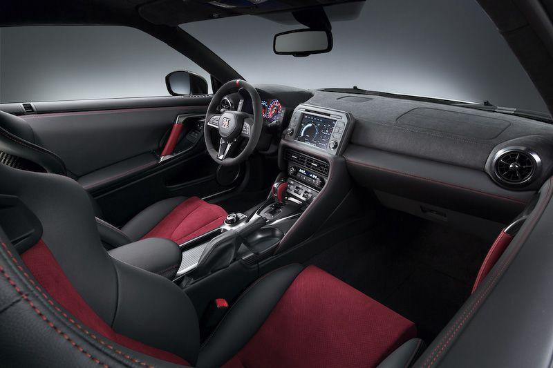 画像 日産 Gt R Nismo 2017年モデルをニュルブルクリンクで初公開 空力性能が向上したほか 全体的に高級感のあるマシンに仕上げた と田村宏志cps Car Watch Gtr Nismo Nissan Gtr Nismo Nissan Gt