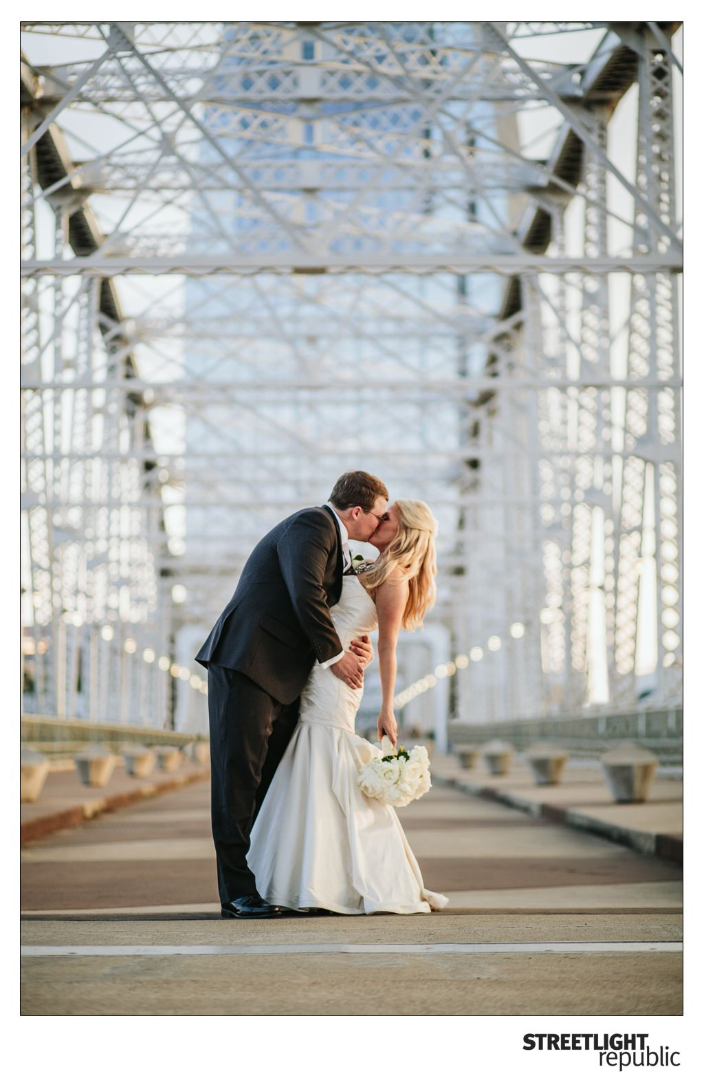 Downtown Nashville Tennessee Skyline Weddings Wedding Photographers