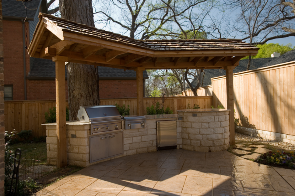 Kitchen rustic view outdoor kitchen design with white for Outdoor stone kitchen designs