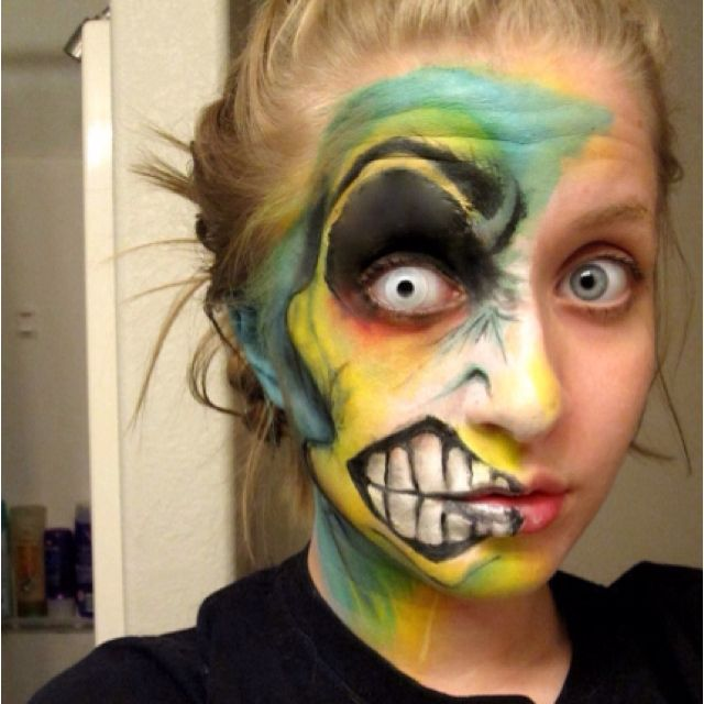 this is actualy rad as hell. If I was at a fair that had face painting like THIS, I would wear it for DAYS.