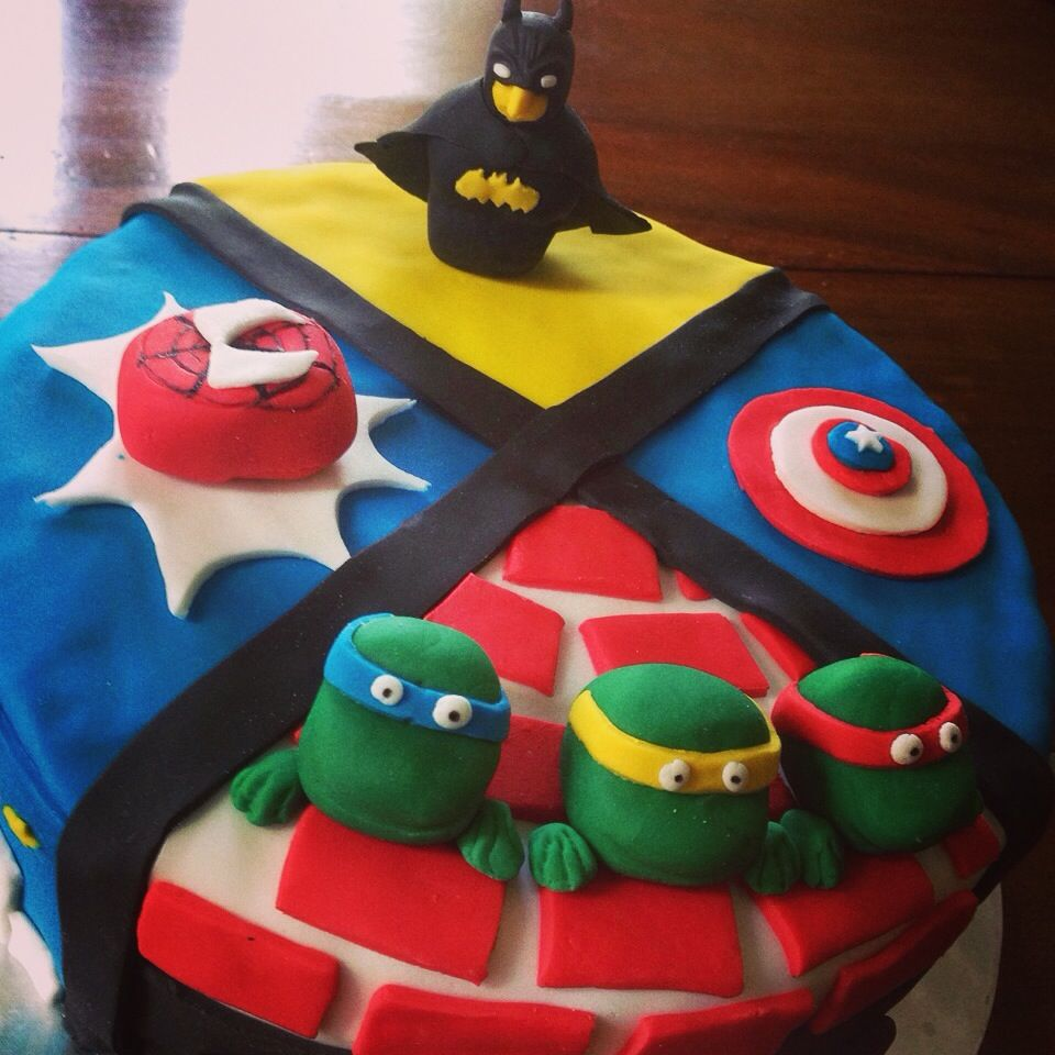 gateau super heros marvel