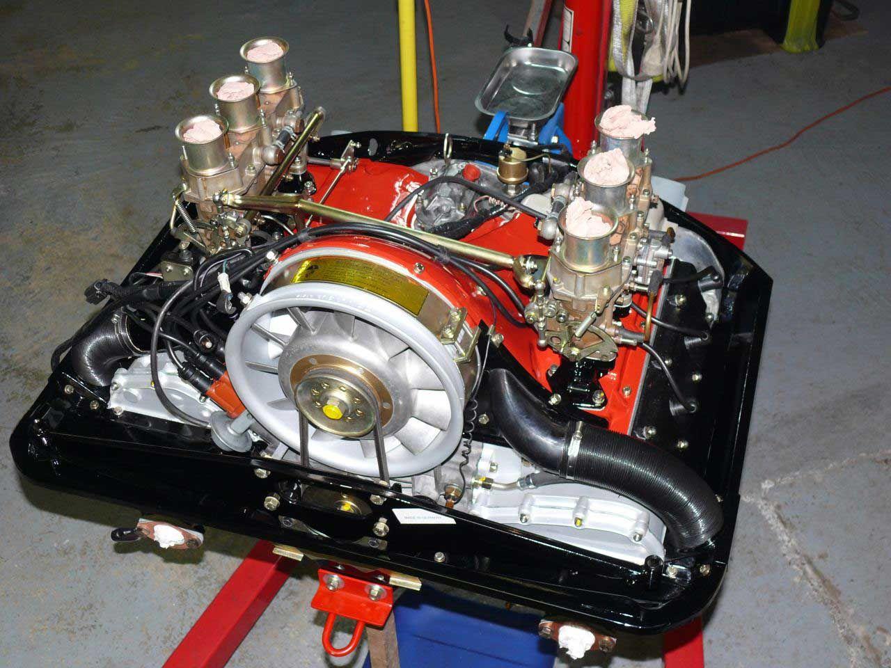 le moteur de la porsche 911t paternelle apr s sa restauration totale sports cars pinterest. Black Bedroom Furniture Sets. Home Design Ideas