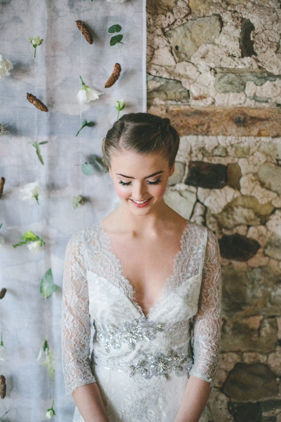 Claire Pettibone Evangeline wedding dress, Photo: Ellie Grace https://couture.clairepettibone.com/collections/gothic-angel-wedding-dresses/products/evangeline