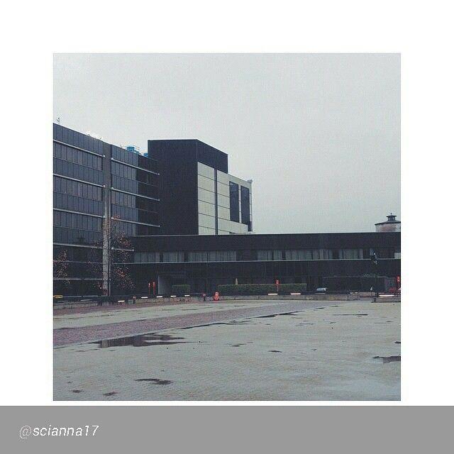"""""""#Torino raccontata dai cittadini per #inTO  Foto di @scianna17 """"// Smart working  #archilove #architecture #vsco #vscocam #vscogod #vscogrid #VSCOvibe…"""""""