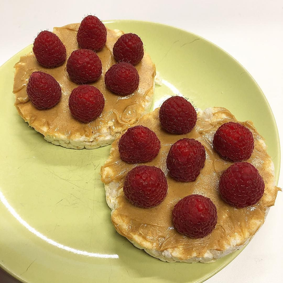 Healthy work snack rice cakes peanut butter and