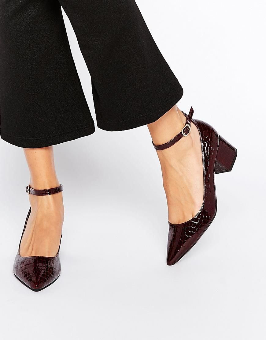 New Look  New Look Pointed Block Heel Shoe at ASOS
