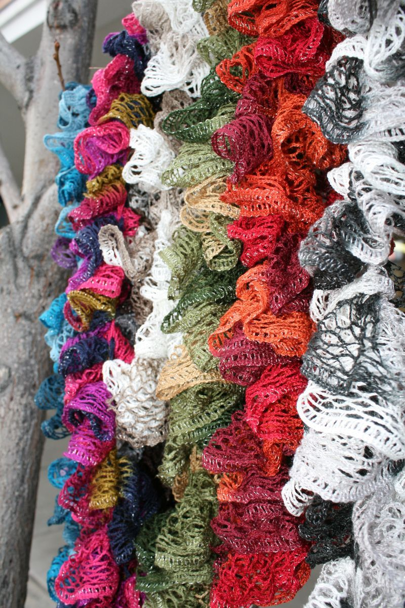 Knitting Pattern Ruffle Scarf : Ruffle Scarf on Pinterest Loom Knitting Patterns, Loom ...