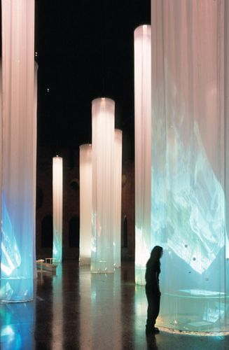 Modern Design and Living #lightartinstallation Discover the best luxury lighting art instalation inspiration for your next interior design project here. For more visit luxxu.net #lightartinstallation