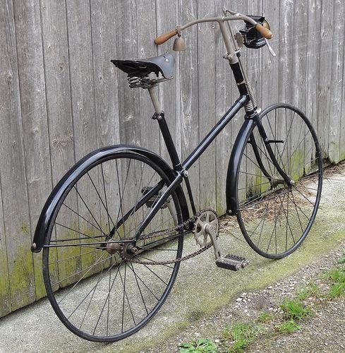 Crossframe Safety Bike Antique Bicycles Vintage Bikes Old Bicycle