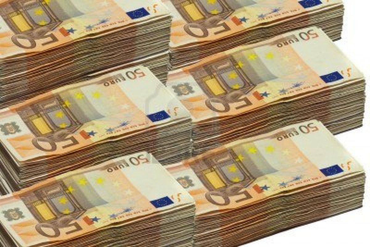 Stock Photo In 2020 Dollar Money Gold Money Euro