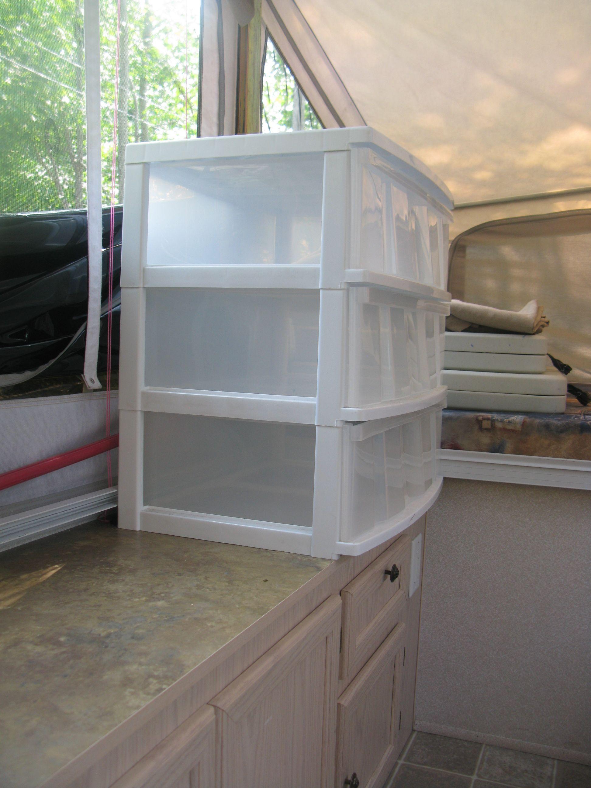 clothing storage box for tent trailer bo te de rangement. Black Bedroom Furniture Sets. Home Design Ideas