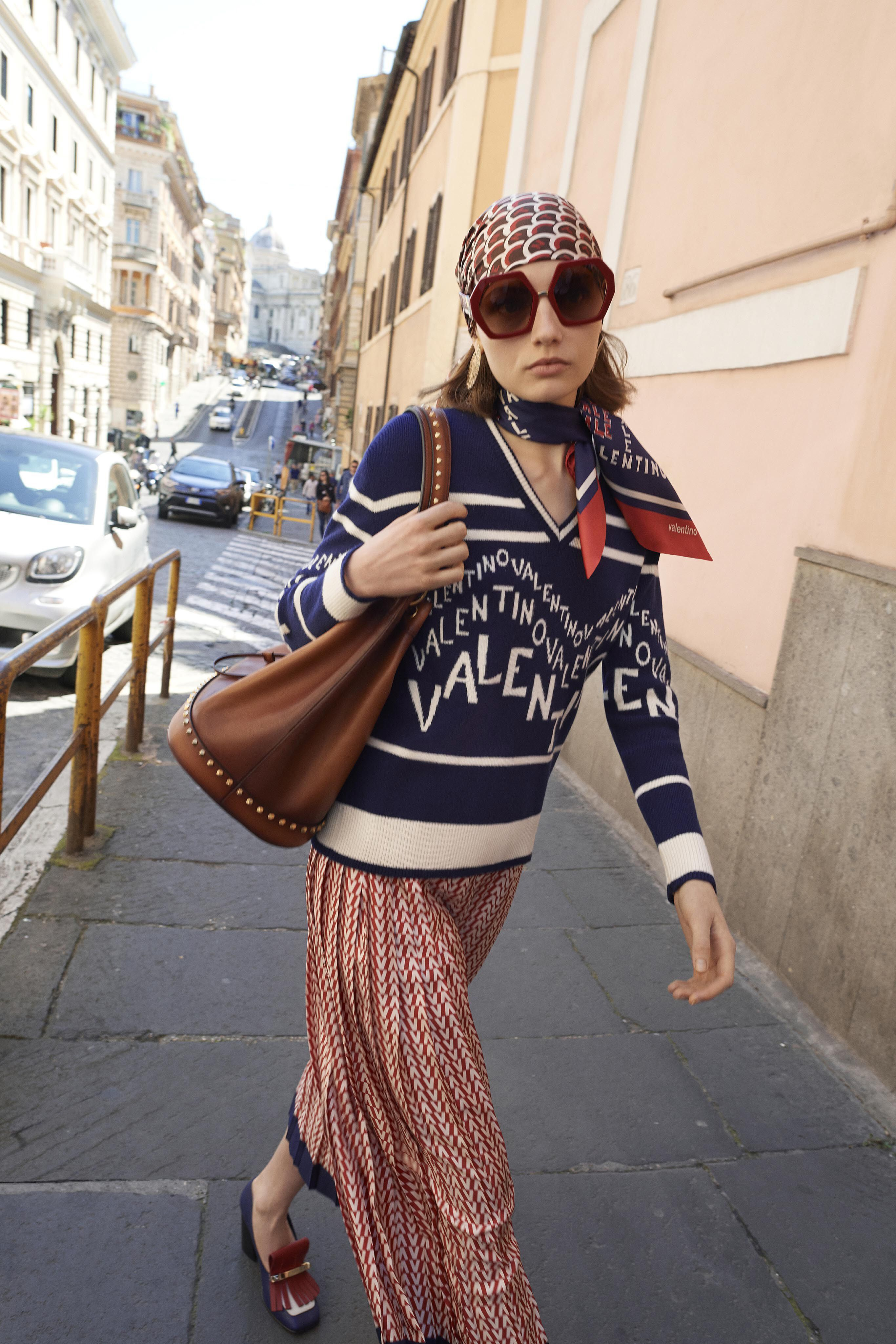 be9a28f625c Valentino Resort 2019 Fashion Show Collection  See the complete Valentino  Resort 2019 collection. Look 14