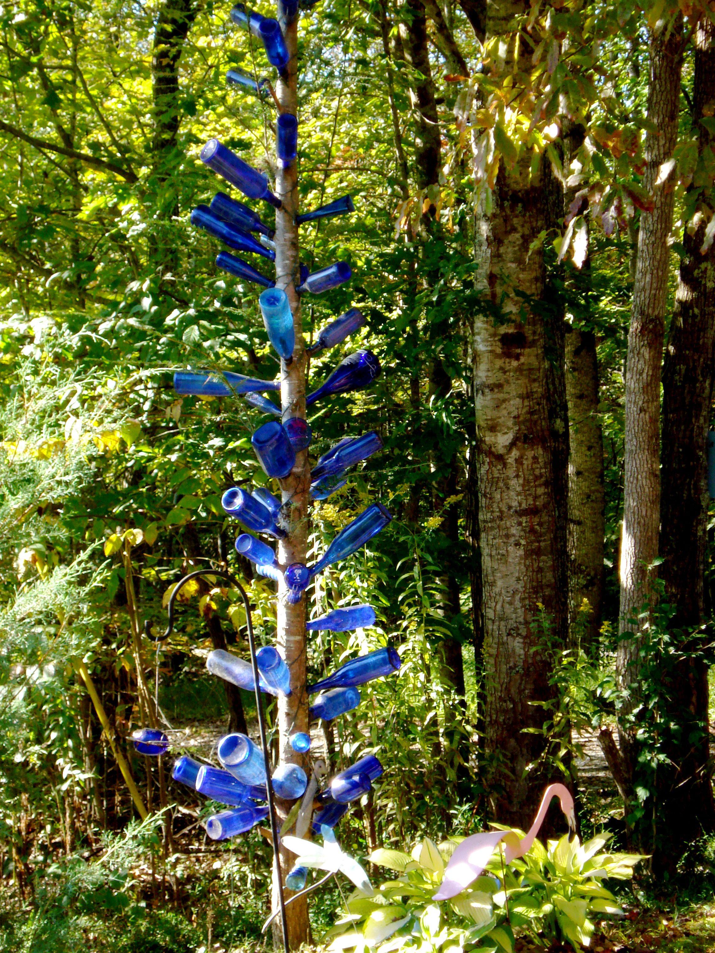 a true bottle tree | garden ideas and garden art | Pinterest ...