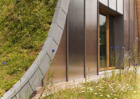 urban hump house gardening (detail)| reims, france | design: patrick ...