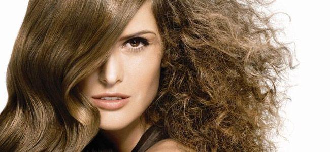 5 cuidados para combatir el pelo encrespado - Cosmo TV. Remedios naturales  para problemas de belleza ad62b157ed01