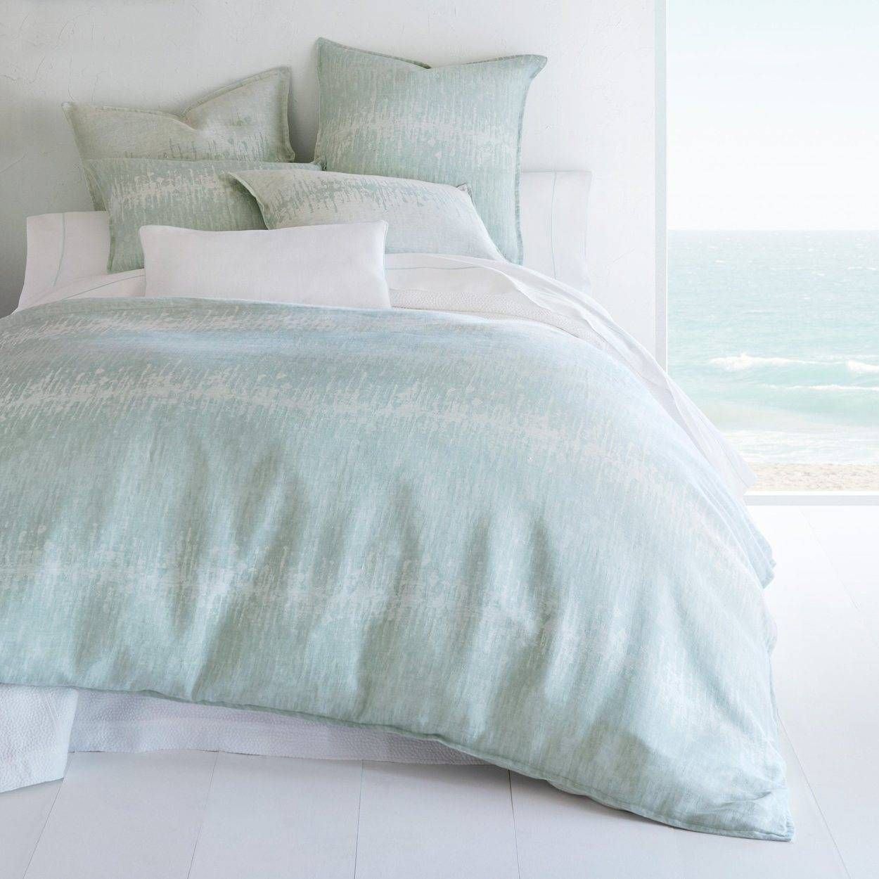 The Best Luxury Bedding High End Bedding Collections More Fl B Linen Duvet Covers Reversible Duvet Covers Linen Duvet