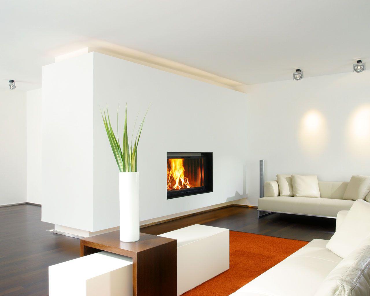 der sehr gro e heizkamin von r egg giant liegt in einer wandscheibe durch die beleuchteten. Black Bedroom Furniture Sets. Home Design Ideas
