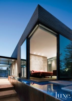 A Bedroom of Concrete and Glass