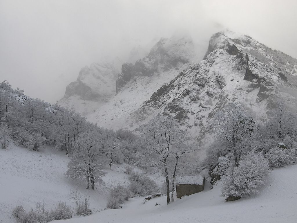 Invierno en los Picos de Europa | Flickr - Photo Sharing!