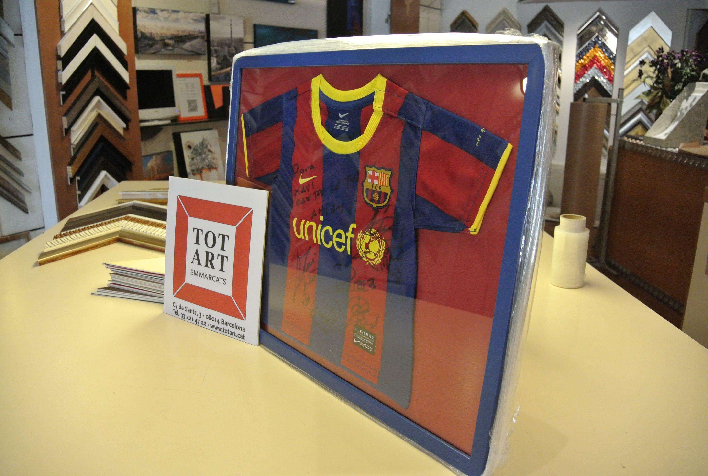 Marco para camiseta de bebé del FC Barcelona enmarcada en Barcelona ...