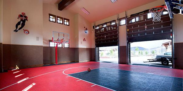 Check out these 19 modern indoor home basketball courts for Design indoor basketball court