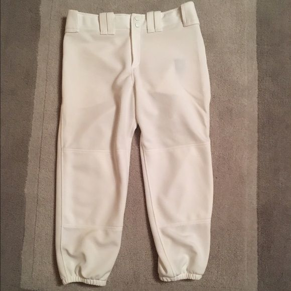 Ⓜ️ White Mizuno Softball Pants Perfectly white, worn one season. No dirt stains (pitcher life) Woman's Size Medium. Listed on Ⓜ️ Mizuno Pants Ankle & Cropped