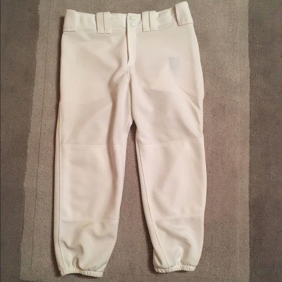 Ⓜ️ White Mizuno Softball Pants Perfectly white, worn one season. No dirt stains (pitcher life) Woman's Size Medium. Listed on Ⓜ️ Mizuno Pants Ankle & Cropped