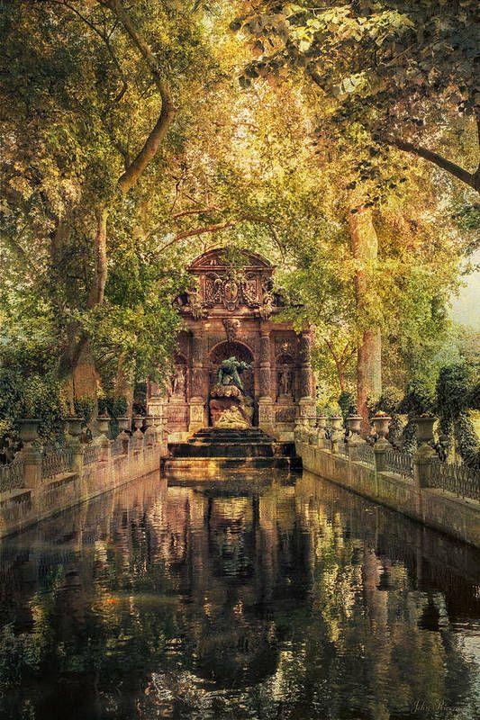 Fontaine de Medicis Art Print by John Rivera